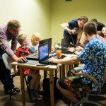 Zdjęcie z Centrum Edukacji Ustawicznej UO Studenci na praktyce.